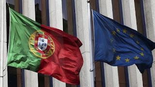 Bandeira de Portugal e da União Europeia