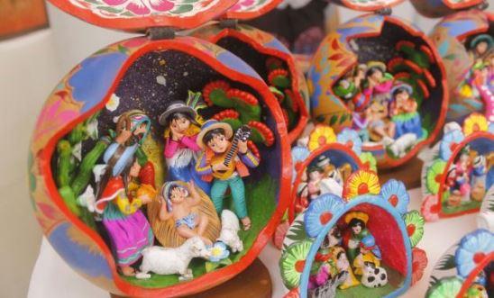 Artesan a feria artesanal manos creadoras navidad re ne a for Ceramica artesanal peru