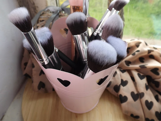 Make Up Storage Ideas ♥