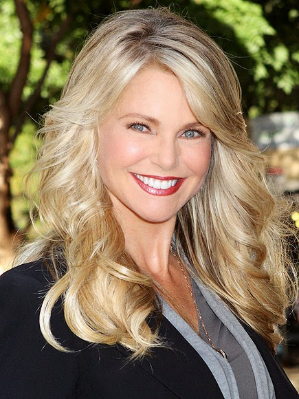 Beautytiptoday Com Christie Brinkley Loves Olay Clarins But Will