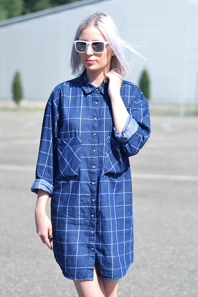 Ootd, outfit, fashion blogger, belgium, belgie, & other stories, sunglasses, milk, white, mirror, check, denim dress, oversized, nike dunk sky, wedge sneakers, summer 2015, street style