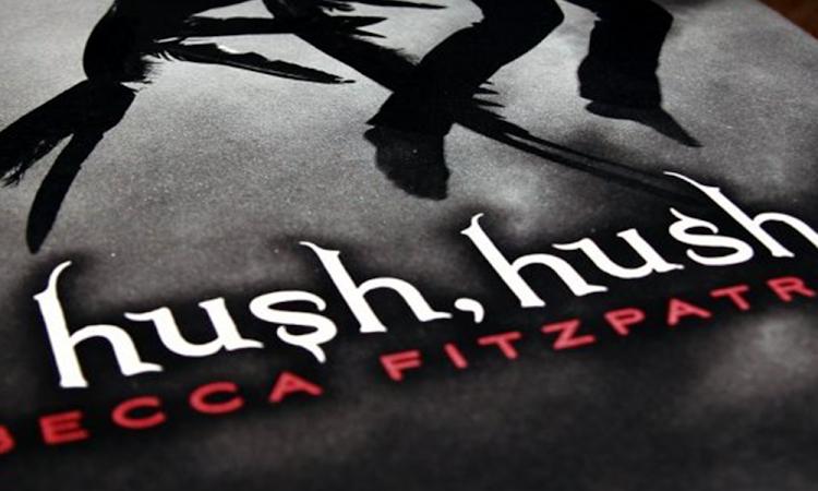 🤯 Hush, Hush: Adaptação Confirmada!