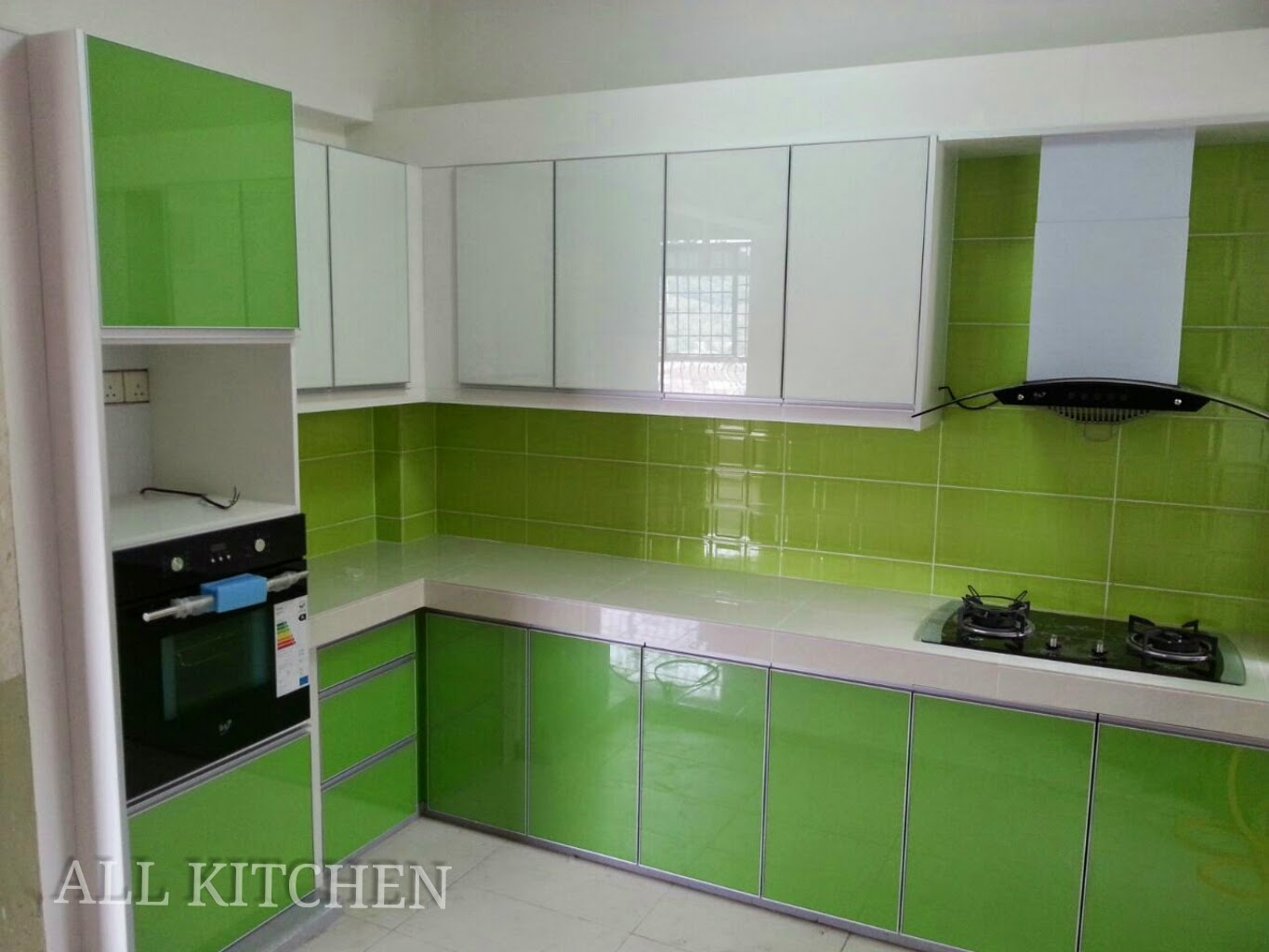 Kabinet dapur bandar tasik selatan for Kitchen set hijau