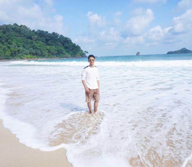 foto keren pantai sendiki