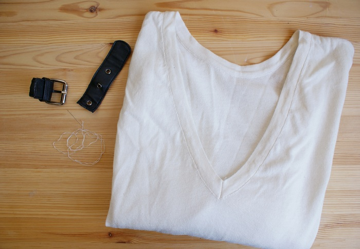 diy buckle neck sweater belt