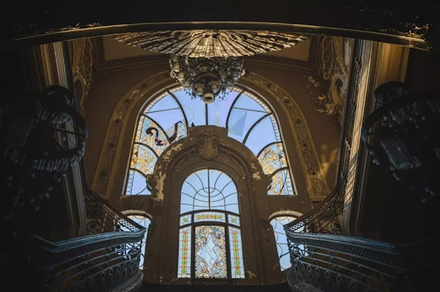Inside the casino full of hauntingly abandoned in Romania pic 7