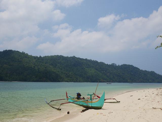Pulau Kelapa Kiluan