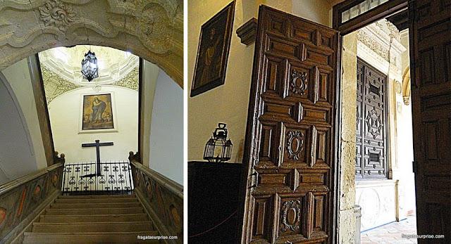 Detalhes do interior do Mosteiro de San Jerónimo, em Granada