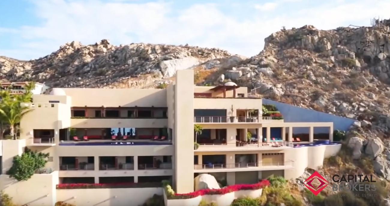 32 Photos vs. Espectacular Casa en Cabo San Lucas Mexico - Luxury Home & Interior Design Tour