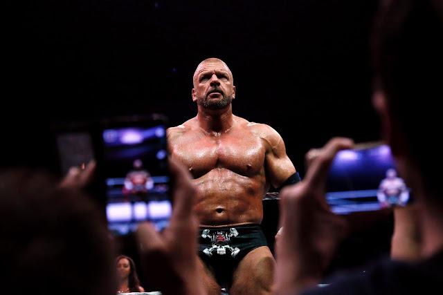 Triple H újra a ringben!