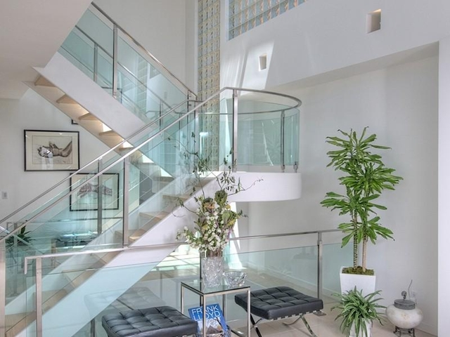 Photo of modern staircase to the first floor