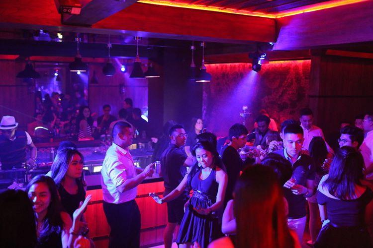 Wu Bar Amp Club Pik Jakarta Jakarta100bars Nightlife
