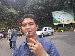 DAFTAR MAKAM WALI DAN PORO KYAI ( BESERTA PETILASANNYA) DI INDONESIA