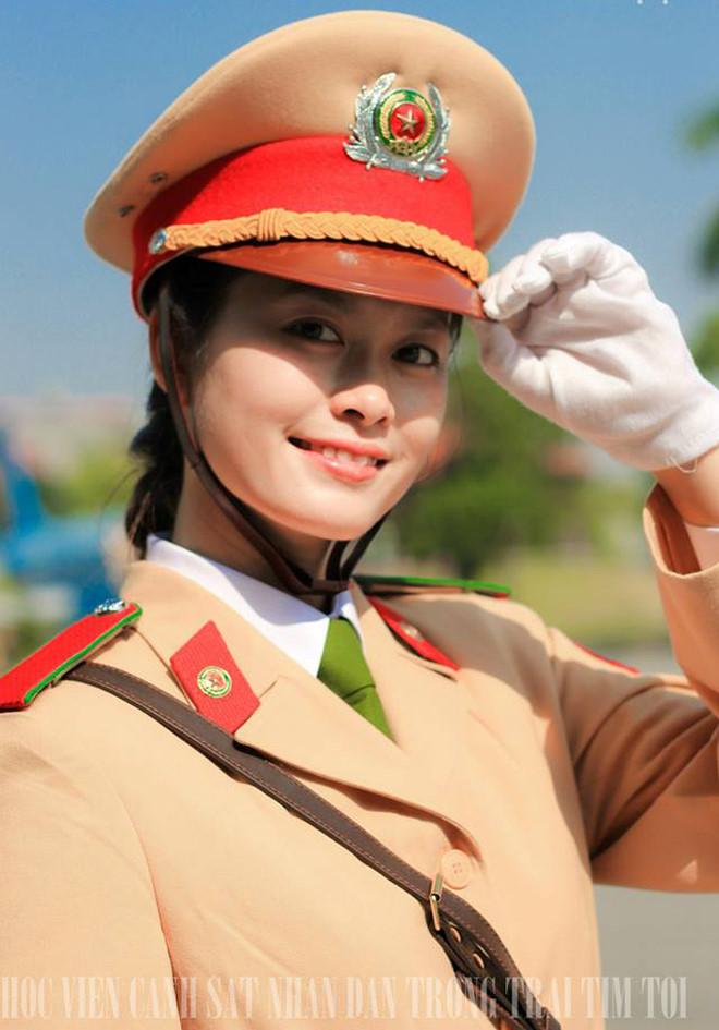 csgt1 - Tổng Hợp các HOT Girl Nữ Cảnh Sát đốn tim FAN nhất Việt Nam