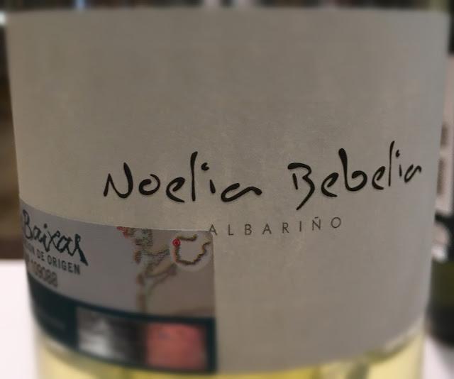 Detalle de la etiqueta de Noelia Bebelia.