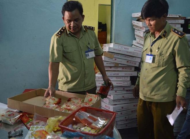 Gia Lai: Một cơ sở nghi làm giả bánh trung thu Đồng Khánh
