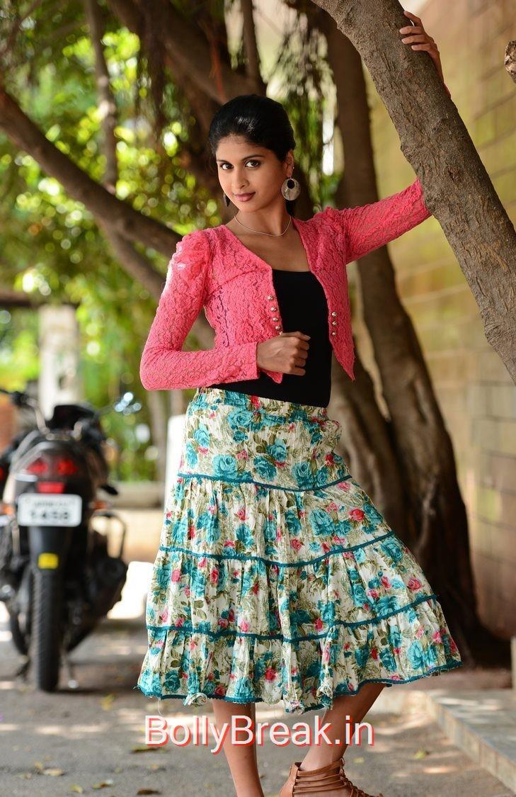 Naveena Photo Gallery with no Watermarks, Actress Naveena Latest Stills