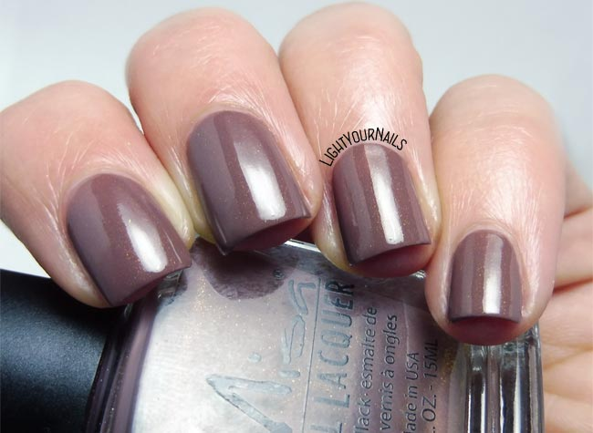 Misa Lost to the World - Light Your Nails!