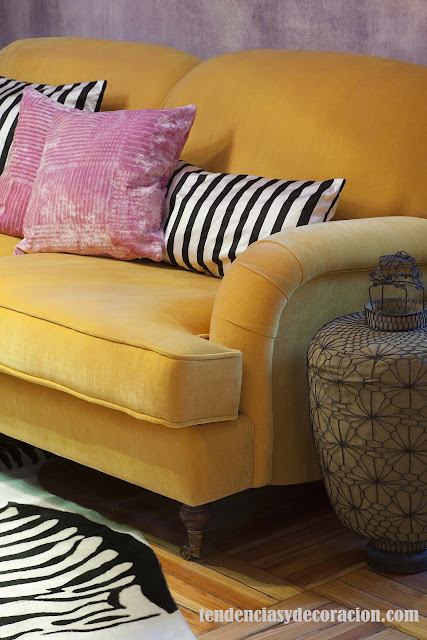 Dormitorio en tonos morados