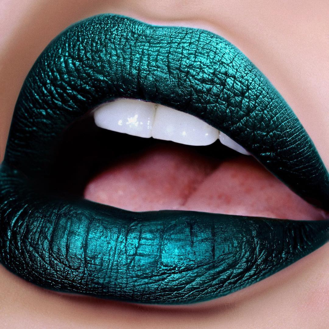 too-faced-melted-matte-tallic-the-real-teal
