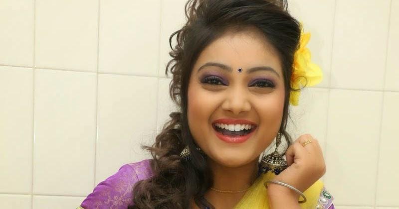 TV Anchor Priyanka Navel Show Gallery