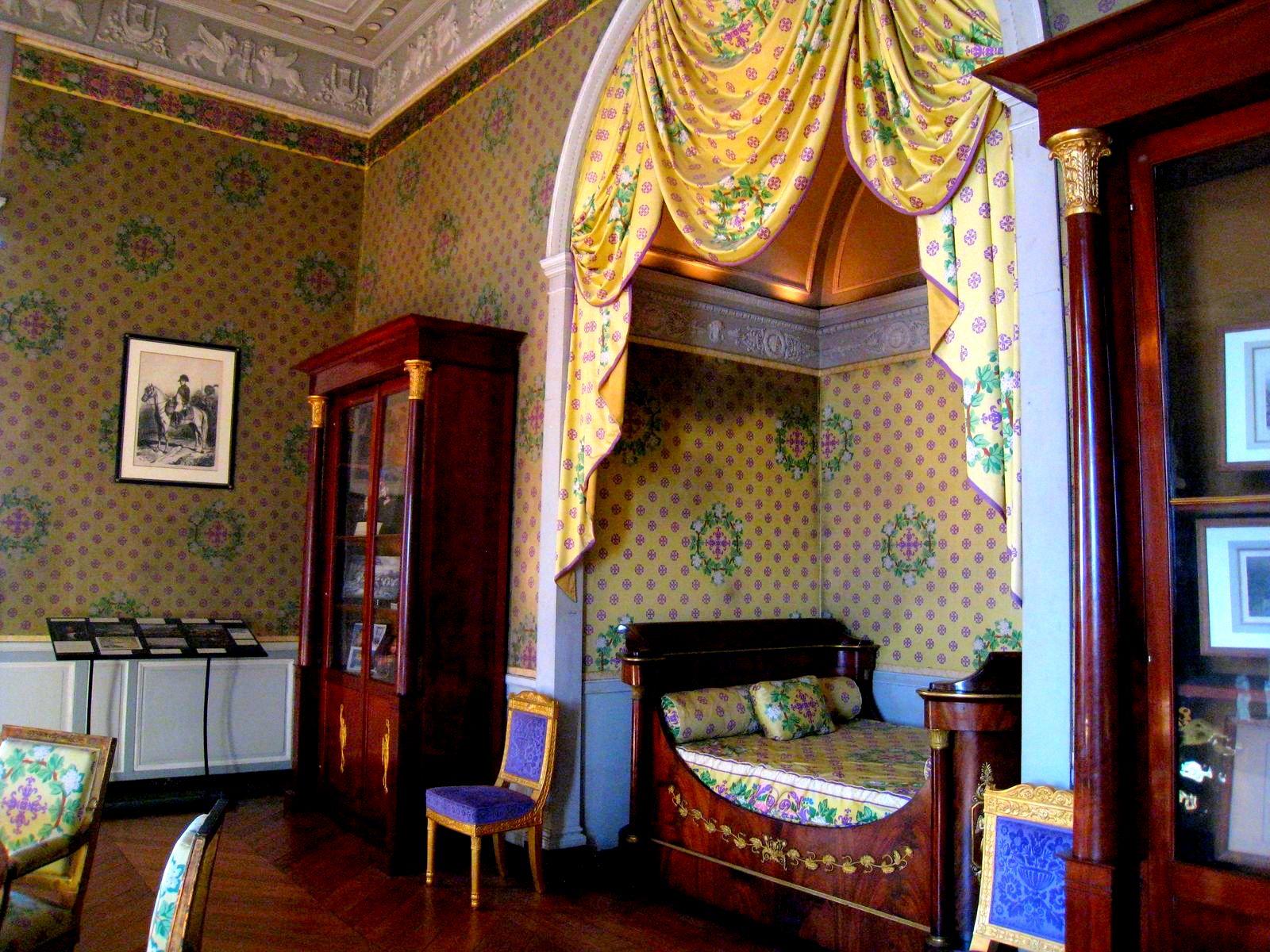1000 images about alcove beds on pinterest nooks. Black Bedroom Furniture Sets. Home Design Ideas