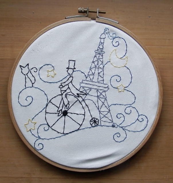 Paris à vélo redwork embroidery by Brodeuse Bressane