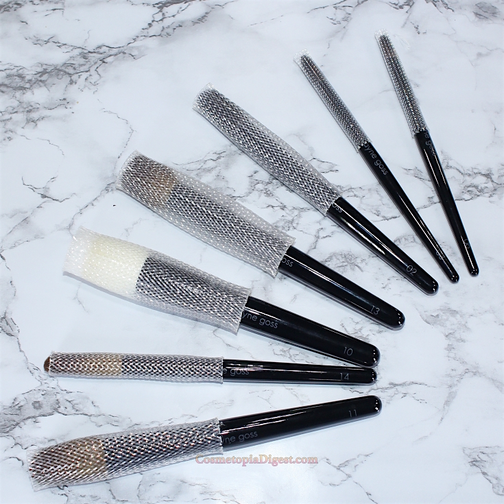 Why you need the Brush Guard to protect makeup brushes.