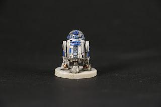 Figurine R2-D2.