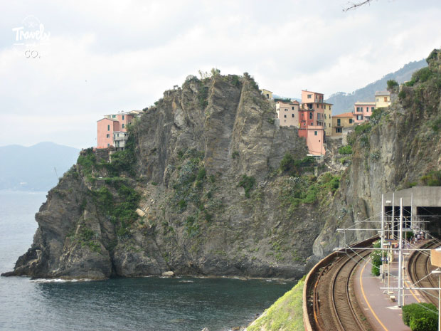 Cinque Terre en un dia que visitar estacion de tren de Manarola