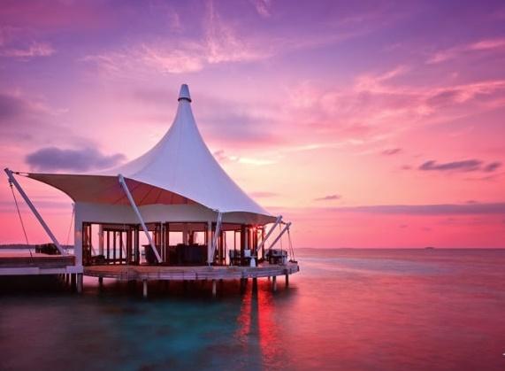 Thăm quan Huvafen Fushi tại Maldives với các khách sạn dưới nước đẹp lung linh