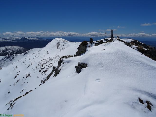 Alcanzando la cima de El Miro