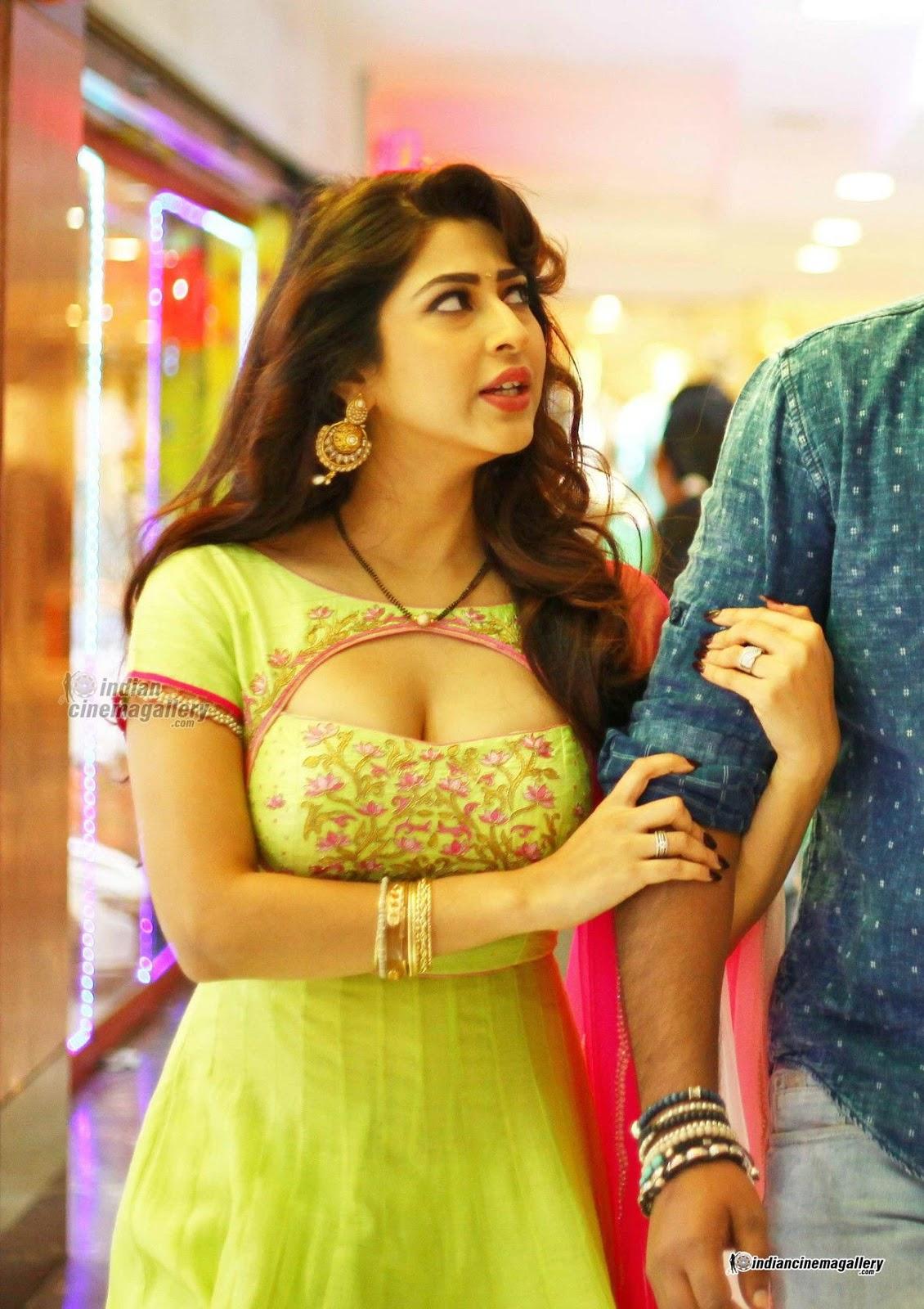 Tv Actress In Bikini Hot Sonarika Bhadaria