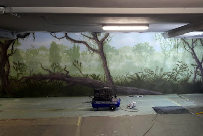 jak namalować las na ścianie? dżungla na ścianie, malowanie lasu tropikalnego warszawa