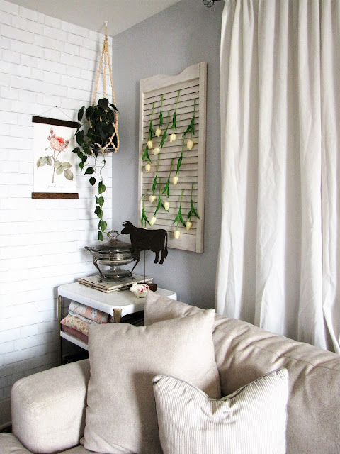 vintage shabby farmhouse living room decor