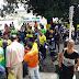 SIMÕES FILHO: Mototaxistas realizam manifestação na porta da prefeitura