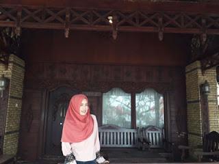 Rumah adat Madura di Pantai Pasir Putih Situbondo