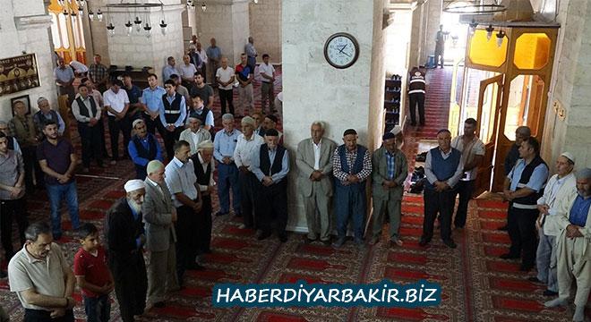 Diyarbakır Silvan'da 15 Temmuz şehitleri için mevlit okutuldu