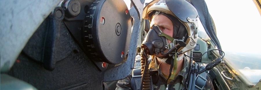 38 годин підготовки на екіпаж літака, 18 днів у морі на корабель – як готуватимуть ЗСУ в 2020 році