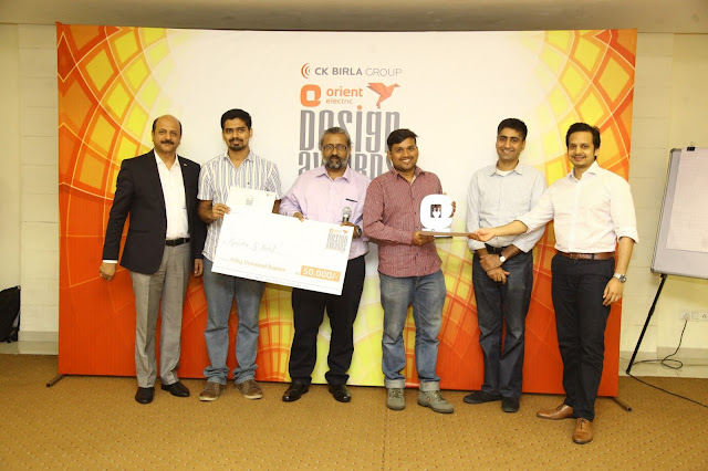 Picture 2: 'The Most Innovative Design' (L-R) Rakesh Khanna, CEO, Orient Electric;  Swapnil Mahadev Desai, NID Ahmedabad (Winner); Naveen Rampal renowned design consultant; Amit Krishn Gulati founder Incubis consultants; Bikram Mittra, MD Trampoline Design