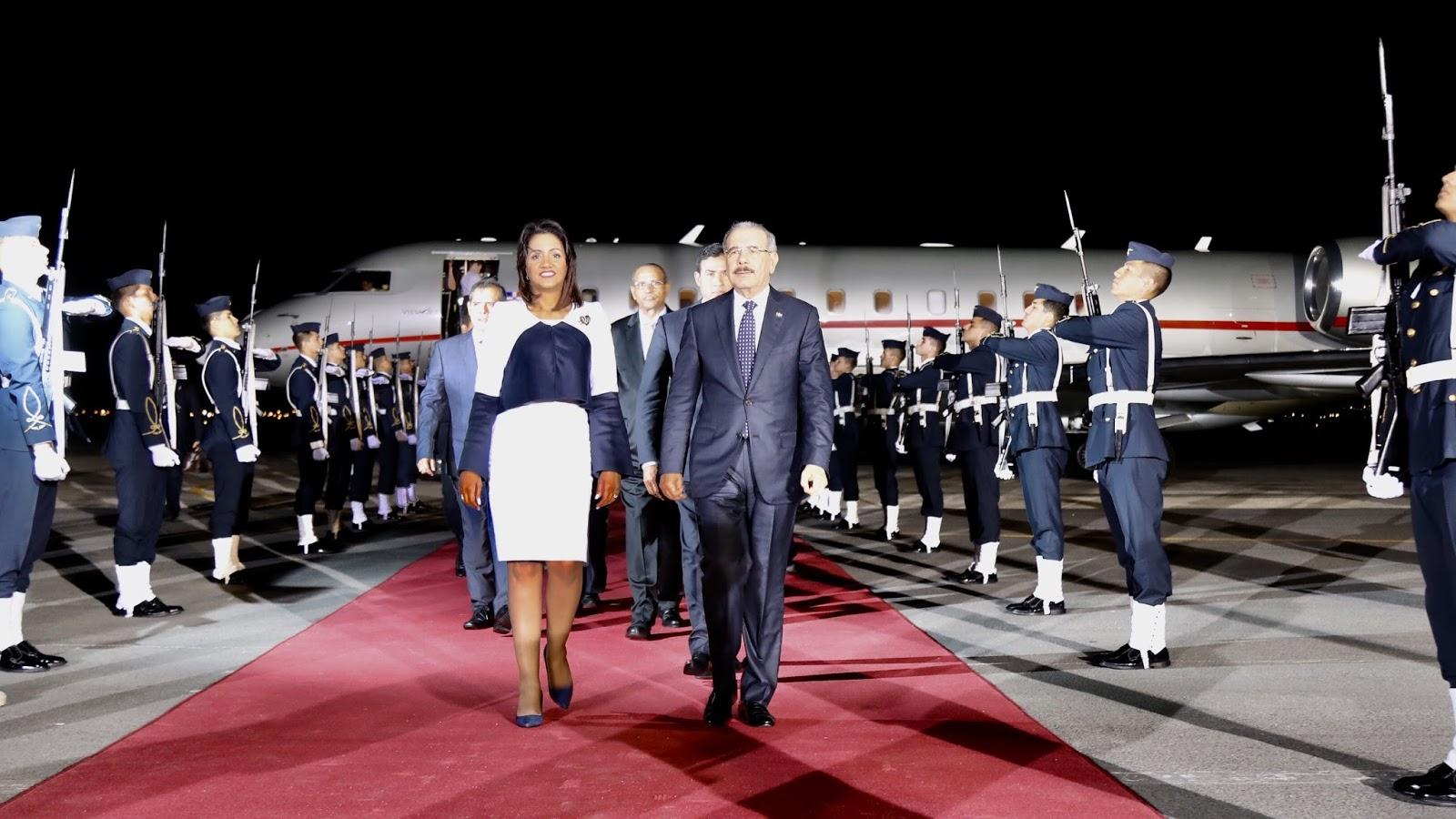 Danilo llega a Perú. Agotará intensa agenda en III Cumbre Empresarial y VIII Cumbre de las Américas