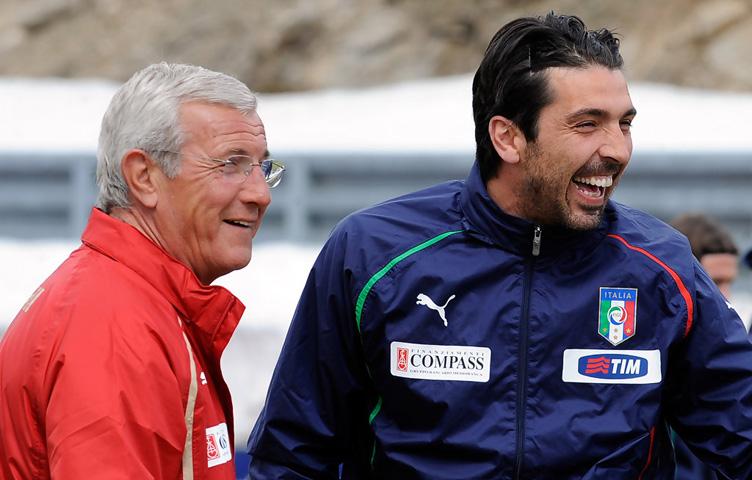 """Lippi: """"Buffon, ne požuruj sa odlukama"""""""