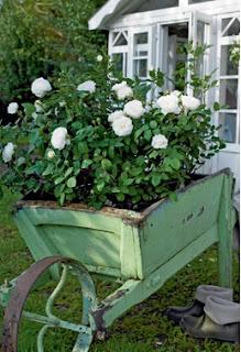 cómo reciclar una carreta de madera, ideas para reciclar una vieja carreta
