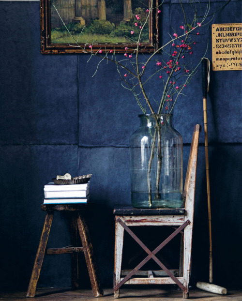 Dark blue interior design inspiration - found on Hello Lovely Studio