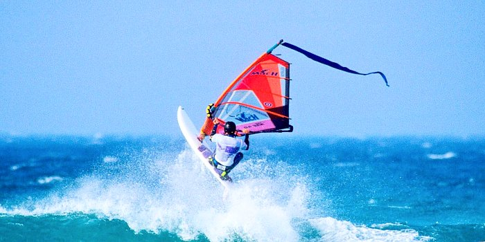 Windsurf nel mare di Paros