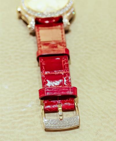 Chiêm ngưỡng mẫu đồng hồ Happy sport giá 1,5 tỷ của chopard