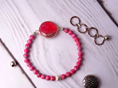 pink paperbeads bracelet