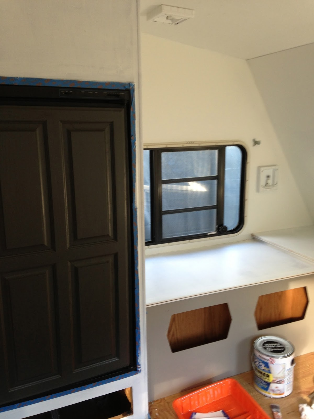 camper painting fake oak panels and rv kitchen cabinets 8 23