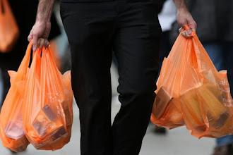 Σημαντική πρόοδος στη μείωση της πλαστικής σακούλας
