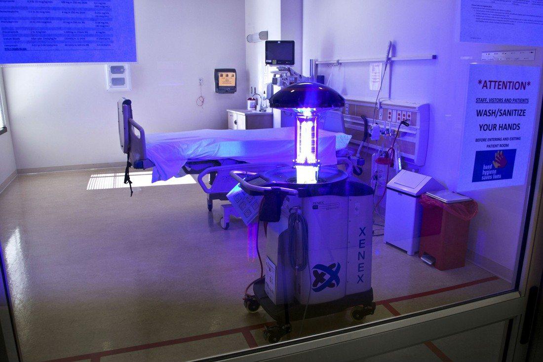 Robots LightStrike de Xenex desinfectarán Ambientes Hospitalarios en Ecuador